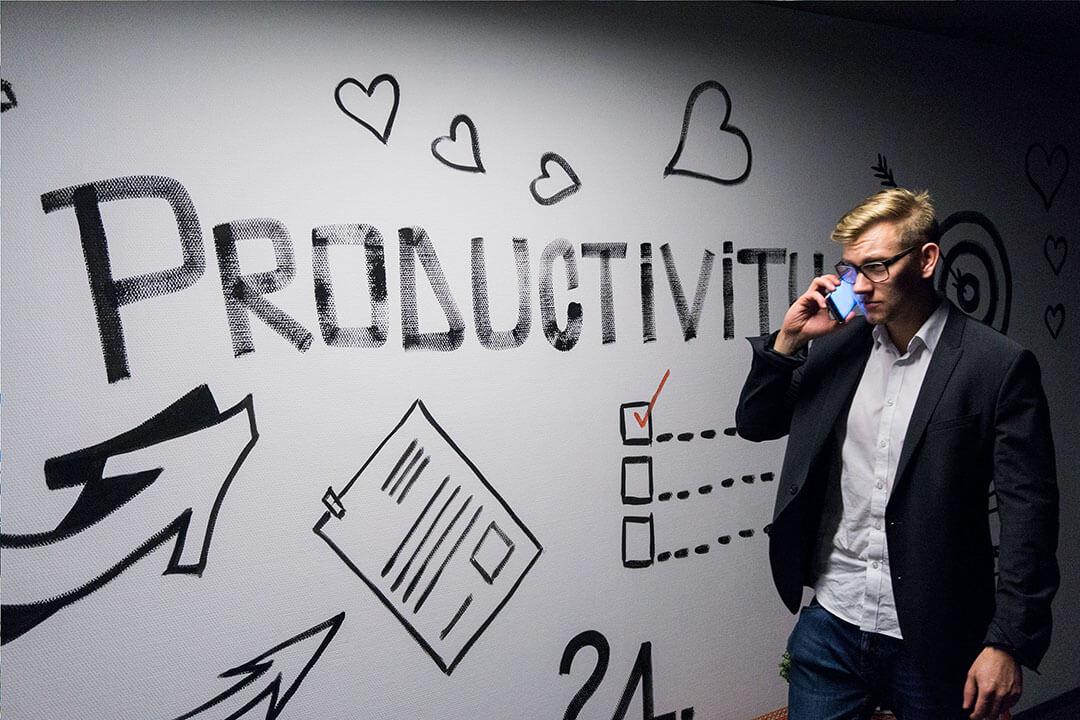 Ești mai mult decât ceea ce produci: Productivitatea nu este egală cu valoarea de sine. | PalatulMintii