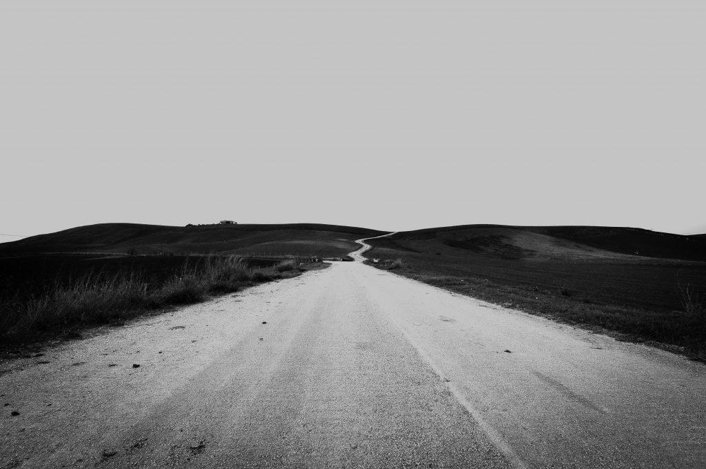 Cele 5 regrete des întâlnite de oameni la final de drum